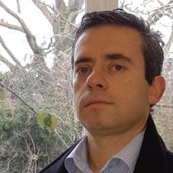 Dr Nuno  Faria